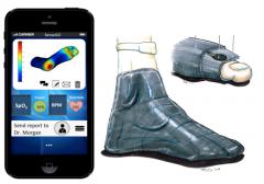 守护糖尿病人健康 智能袜避免脚部受压