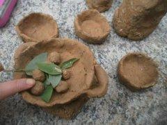 如何教导孩子把泥巴玩成泥塑