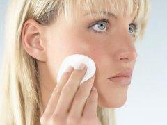 5个卸妆小技巧让你和肌肤问题说再见